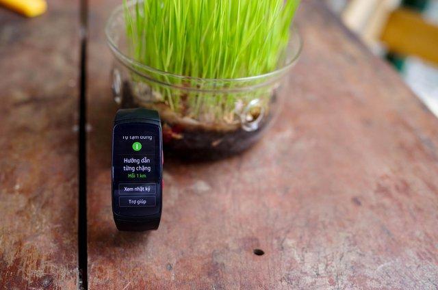 Vòng đeo thông minh Samsung Gear Fit2 Pro: Mạnh mẽ, bền bỉ và thời trang - Ảnh 6.