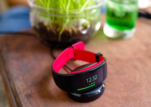 Vòng đeo thông minh Samsung Gear Fit2 Pro: Mạnh mẽ, bền bỉ và thời trang - Ảnh 8.