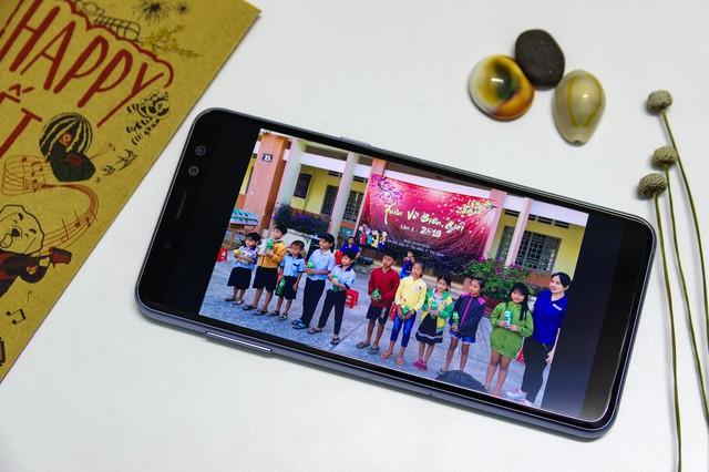 Một ngày dùng pin từ vùng biên giới tới thành thị với Galaxy A8 - Ảnh 3.
