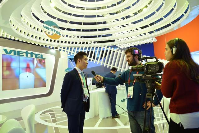 Viettel đem đến MWC 2018 những sản phẩm công nghệ 4.0 vượt xa sự mong đợi của đối tác - Ảnh 7.