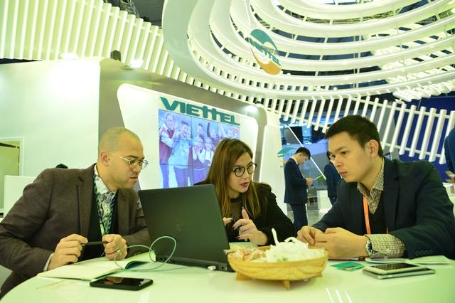 Viettel đem đến MWC 2018 những sản phẩm công nghệ 4.0 vượt xa sự mong đợi của đối tác - Ảnh 13.