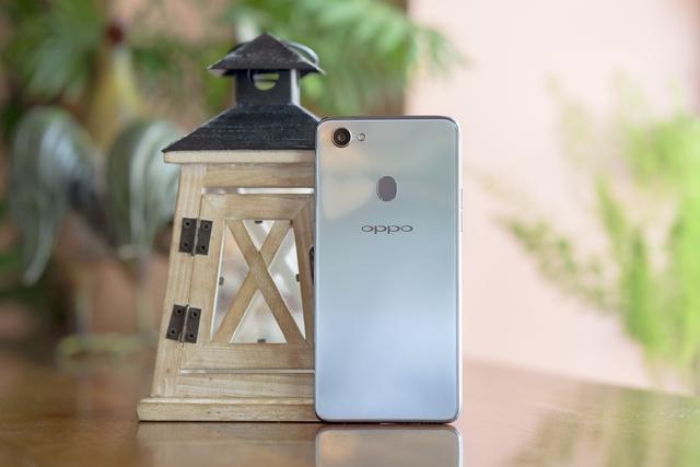 Xu hướng smartphone: Công nghệ hội tụ trong một thiết bị thời trang - Ảnh 3.