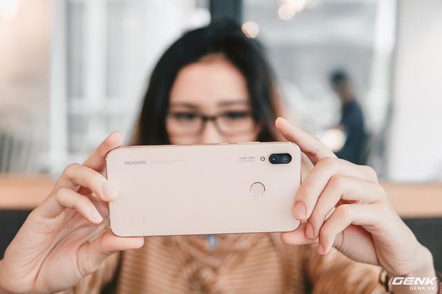 Không nghi ngờ gì nữa, nếu chọn smartphone selfie thật nữ tính thì đây là ứng viên hàng đầu rồi - Ảnh 17.