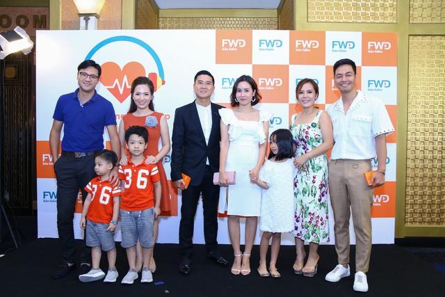 """Cả gia đình Đan Lê - Khải Anh tham gia sự kiện giới thiệu ứng dụng công nghệ số thông minh """"FWD Cùng nhịp đập"""" - ảnh 1"""