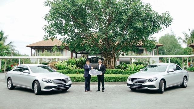 Mercedes-Benz bàn giao bộ đôi E 200 cho khu phức hợp nghỉ dưỡng quốc tế Laguna Lăng Cô - Ảnh 1.