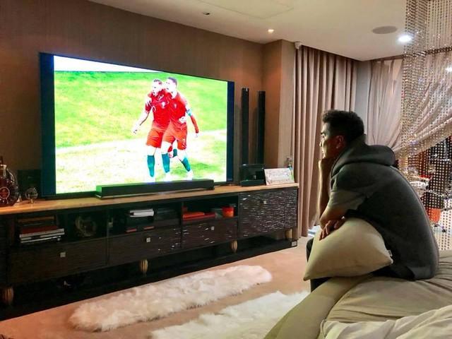 Đàm Vĩnh Hưng khoe TV hàng khủng để xem World Cup 2018 - Ảnh 3.