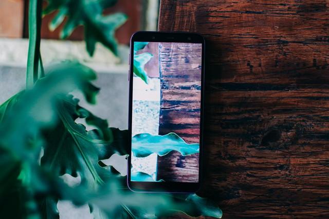Samsung Galaxy J6 – Nhỏ và có võ, đáp ứng mọi nhu cầu giải trí nhẹ nhàng - Ảnh 2.