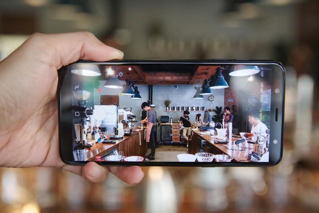 Trải nghiệm Galaxy J8: mang cái hồn của Galaxy S9, đẹp gọn gàng, giá hơn 7 triệu - Ảnh 5.