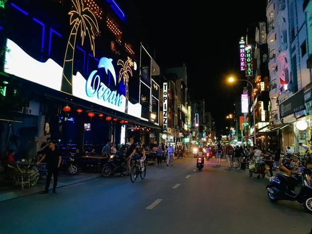 Với Galaxy S9+, tôi đã có những chuyến rong chơi đêm Sài Gòn chất như thế - Ảnh 4.