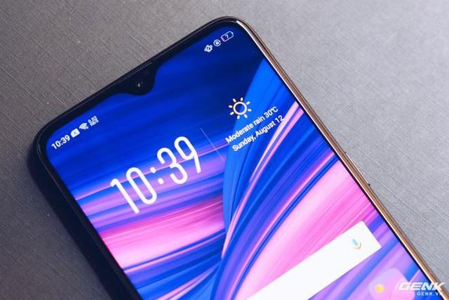 Cùng nhìn lại lịch sử màn hình smartphone tầm trung để thấy màn hình giọt nước trên Oppo F9 ưu việt thế nào - Ảnh 6.