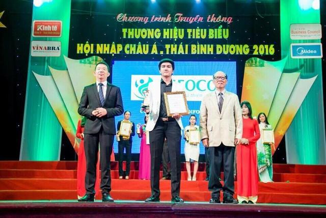 Doanh nhân Huỳnh Văn Ninh: 18 tuổi bỏ Đại học, lấy học phí mẹ cho đi học kinh doanh và hành trình trở thành triệu phú - Ảnh 3.