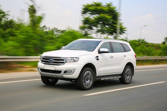 Khám phá Ford Everest mới tại Triển lãm ô tô Việt Nam 2018: SUV 7 chỗ hút khách - Ảnh 2.