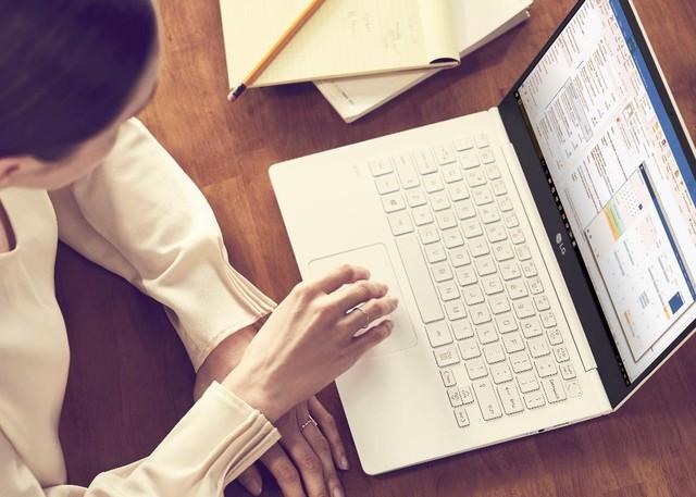 Xu hướng laptop thời thượng: Công nghệ song hành cùng thời trang - Ảnh 2.
