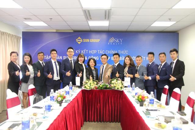 Lễ ký kết hợp tác chính thức Tập đoàn Sun Group và công ty BĐS bầu trời Việt Nam Sky Realty - Ảnh 2.