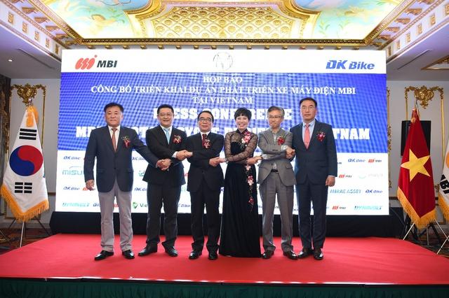 Tập đoàn MBI Hàn Quốc bắt tay DKBike triển khai dự án xe máy điện tỷ đô - Ảnh 2.