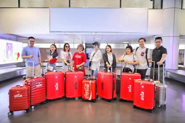 Thương hiệu thời trang Việt nâng tầm quốc tế ngoạn mục khi kết hợp cùng các ông lớn đẳng cấp thế giới - Ảnh 3.