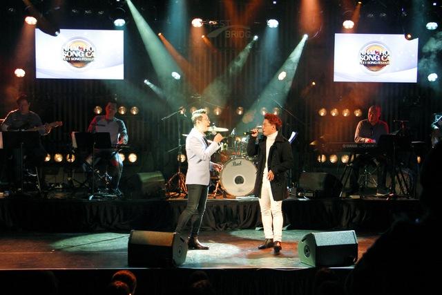"""Sau hit """"Tri kỷ"""", Phan Mạnh Quỳnh tiếp tục """"đốn tim"""" khán giả với ca khúc """"Nước ngoài"""" tại Hàn Quốc - Ảnh 6."""