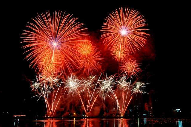 Dip lễ 30/4: Khai mạc lễ hội pháo hoa lớn nhất Đông Nam Á - Ảnh 3.