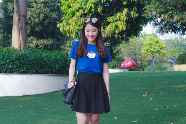 Hot girl ngoại ngữ Khánh Vy, vlogger đanh đá Tun Phạm tạo trend mới cùng áo phông T-Vịt siêu đáng yêu - Ảnh 1.