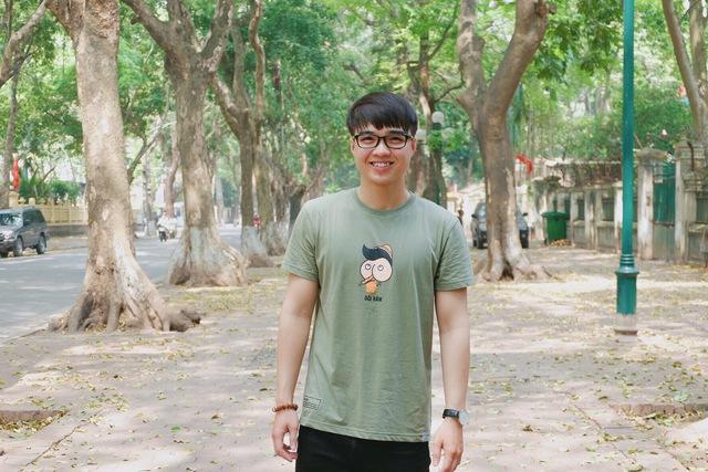 Hot girl ngoại ngữ Khánh Vy, vlogger đanh đá Tun Phạm tạo trend mới cùng áo phông T-Vịt siêu đáng yêu - Ảnh 2.