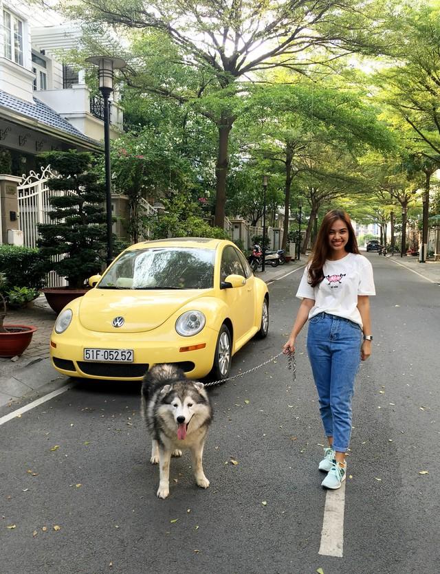 Hot girl ngoại ngữ Khánh Vy, vlogger đanh đá Tun Phạm tạo trend mới cùng áo phông T-Vịt siêu đáng yêu - Ảnh 6.