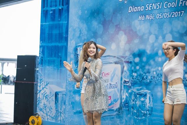Trâm Anh, Sun HT và Suni Hạ Linh hào hứng khám phá nhà băng -5 độ C ngay tại Hà Nội - Ảnh 9.
