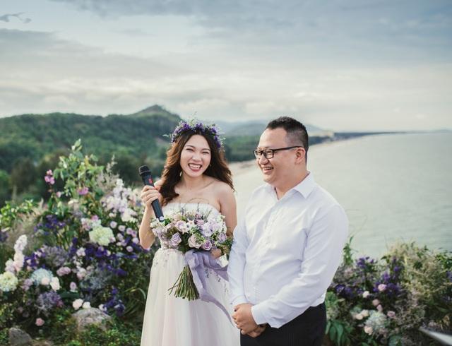 Độc đáo lễ cưới đẹp như mơ trên mỏm đá bên bờ biển Hải Hoà - Ảnh 7.