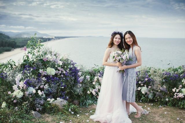 Độc đáo lễ cưới đẹp như mơ trên mỏm đá bên bờ biển Hải Hoà - Ảnh 10.