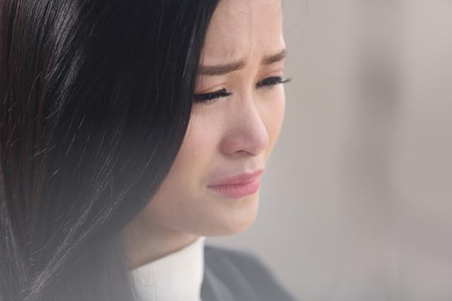 """Cận cảnh 1001 sắc thái của Đông Nhi trong phim ngắn """"Còn nơi đó chờ em"""" - Ảnh 1."""