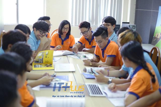 Chương trình hợp tác quốc tế Việt Nam – Hàn Quốc đào tạo Video Editing và Python Programming - Ảnh 2.
