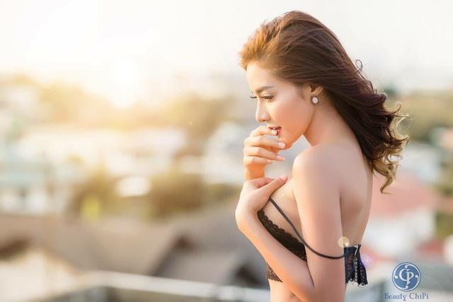 Ngay tại Việt Nam cũng có thể thiết kế những mẫu Bralette đẹp và phong cách đến thế này - Ảnh 7.