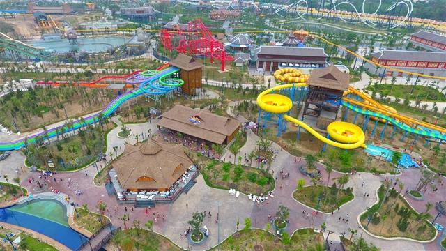 Kết quả hình ảnh cho Công Viên Nước Vịnh Lốc Xoáy Typhoon Water Park