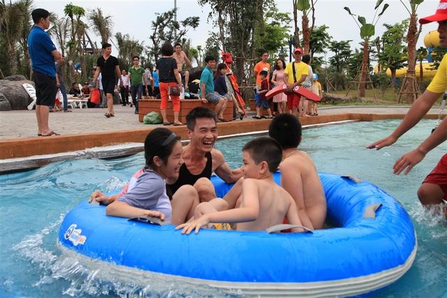 Vui cực đã với 12 trò chơi dưới nước siêu đỉnh ở Typhoon Water Park - Ảnh 6.