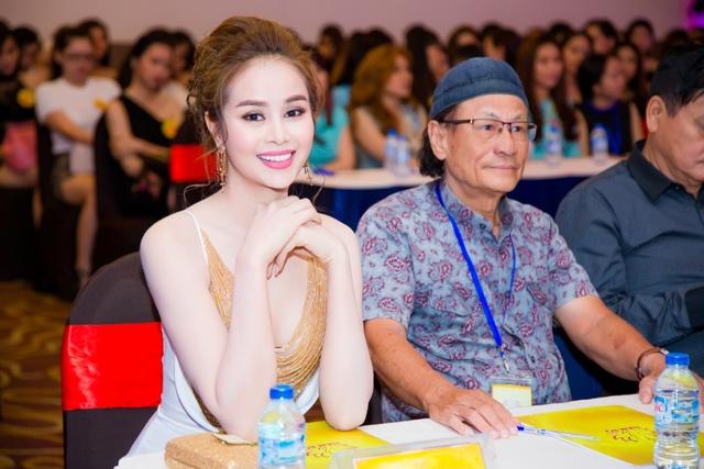 Hoa hậu Sella Trương cùng đạo diễn Lê Cung Bắc làm giám khảo tuyển chọn Hoa khôi Nam Bộ - Ảnh 1.