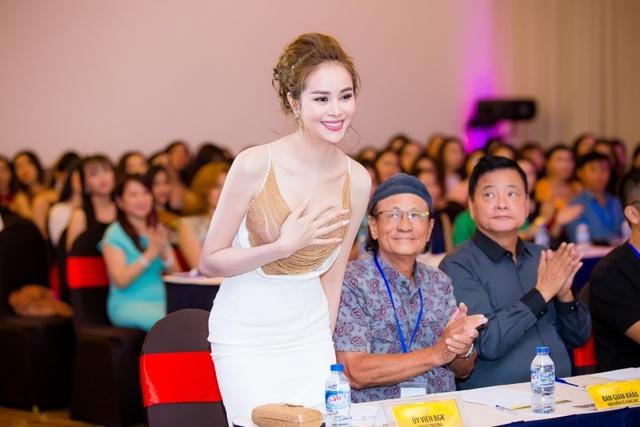 Hoa hậu Sella Trương cùng đạo diễn Lê Cung Bắc làm giám khảo tuyển chọn Hoa khôi Nam Bộ - Ảnh 2.