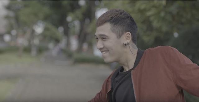"""Cùng """"soi"""" 50 sắc thái đáng yêu của Tronie Ngô và Trọng Hiếu trong MV mới - Ảnh 3."""