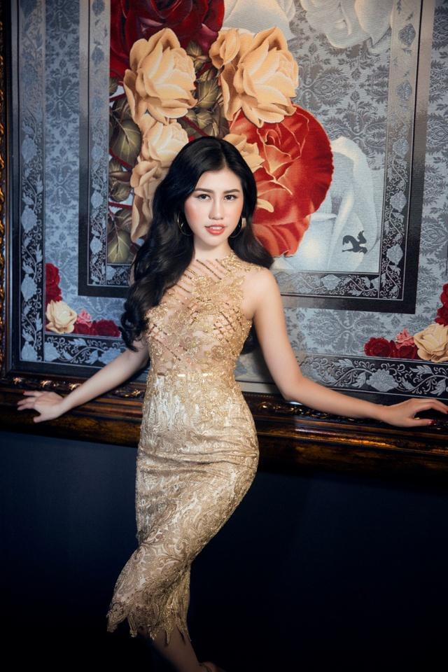 Người đẹp Emily Hồng Nhung đầy ma mị trong trang phục dạ hội mang phong cách châu Âu - Ảnh 7.