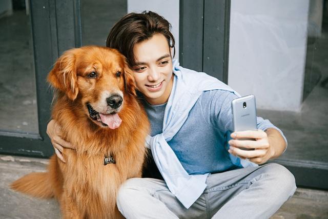 Smartphone bán chạy nhất Việt Nam vừa có bản cập nhật kế thừa tinh hoa từ Samsung Galaxy S8 - Ảnh 1.