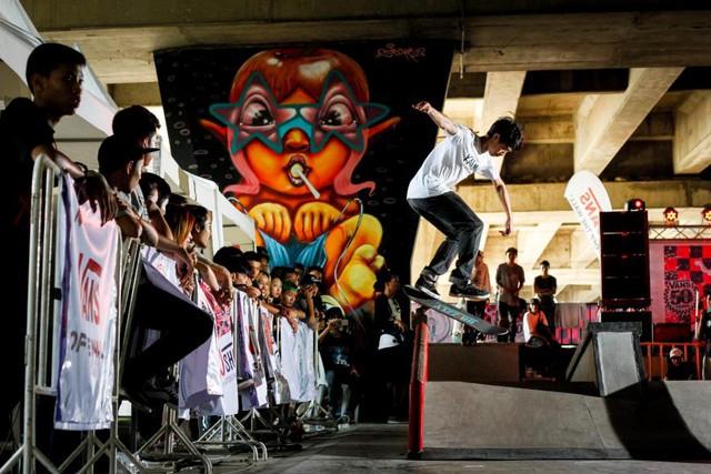 """Giới trẻ Hà thành háo hức """"thử tài"""" với ngày hội trượt ván Skateboarding Day 2017 - Ảnh 2."""