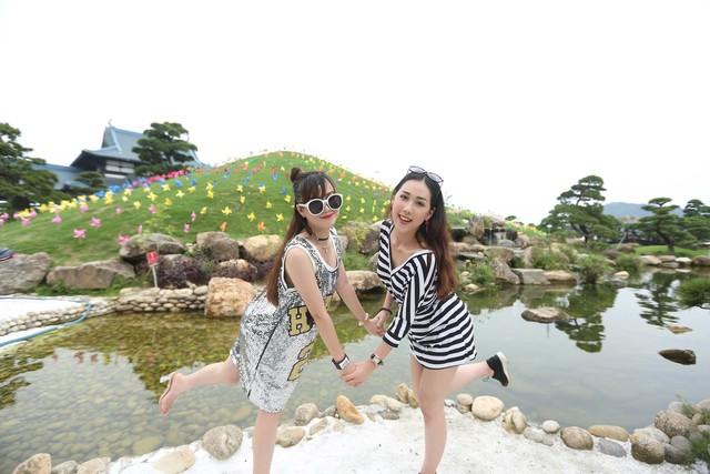 Check in siêu lãng mạn với ngọn đồi chong chóng tại Sun World Halong Complex - Ảnh 3.