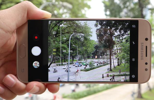 Galaxy J7 Pro mới có camera chụp tối tốt như flagship, thế mà giá chỉ 7 triệu - Ảnh 3.