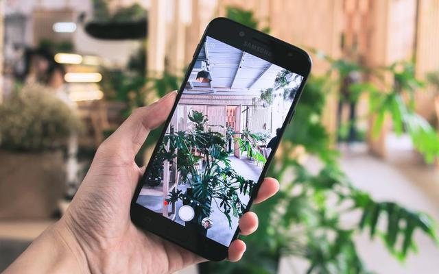 Galaxy J7 Pro mới có camera chụp tối tốt như flagship, thế mà giá chỉ 7 triệu - Ảnh 4.