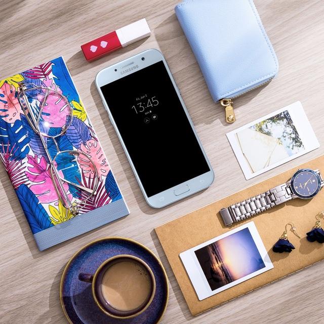 """Galaxy A5 2017 Xanh Pastel lên kệ, biệt đội """"chống nước"""" của Samsung có thêm 1 thành viên - Ảnh 3."""