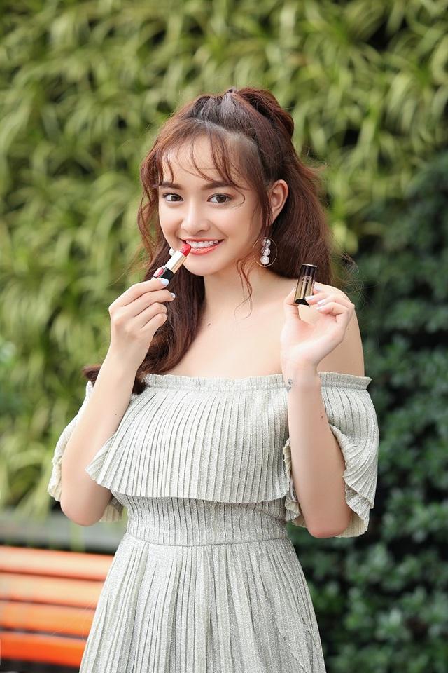 """Thoát khỏi hình ảnh """"chưa mười tám"""", Kaity Nguyễn biến hóa đa dạng với 6 phong cách trang điểm mới - Ảnh 3."""