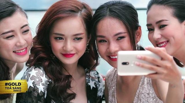 """Thoát khỏi hình ảnh """"chưa mười tám"""", Kaity Nguyễn biến hóa đa dạng với 6 phong cách trang điểm mới - Ảnh 11."""