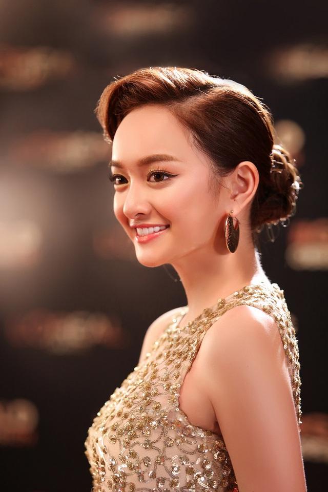"""Thoát khỏi hình ảnh """"chưa mười tám"""", Kaity Nguyễn biến hóa đa dạng với 6 phong cách trang điểm mới - Ảnh 14."""