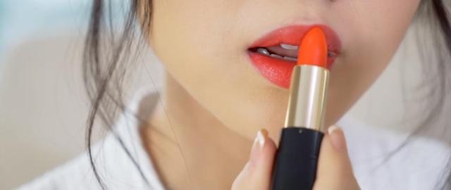BST son nào đang được các Beauty Blogger nhắc tới nhiều nhất trong thời gian gần đây - Ảnh 2.