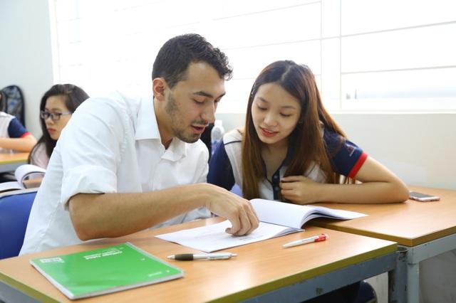 Cơ hội nhận bằng Cử nhân Đại học Gloucestershire - Anh Quốc ngay tại Việt Nam - Ảnh 2.