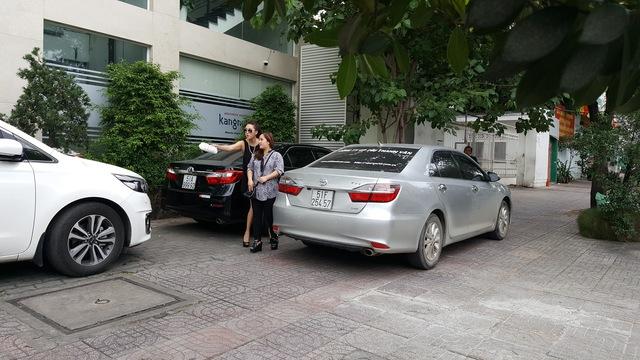 """Phi Thanh Vân xuất hiện chớp nhoáng sau tuyên bố rời showbiz, """"lột xác làm lại cuộc đời"""" - Ảnh 1."""