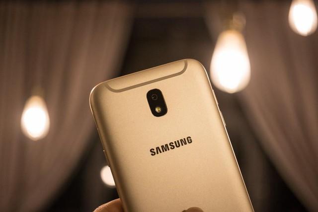 Có smartphone khẩu độ lớn để chụp ảnh đêm rồi, vẫn phải nhớ thêm 4 bí quyết sau - Ảnh 1.
